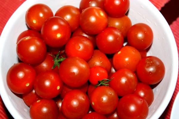 Zebrane pomidorki koktajlowe